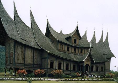 wikimediafile-pagaruyung-palace-thumbnail