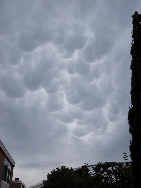 vreemde-wolken-nederland 24-6-2009-thumb-2
