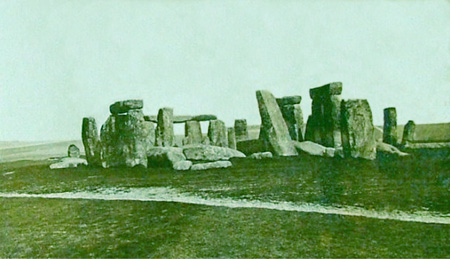 stonehenge-1877-wikipediafile-dossx-restfile-thumb