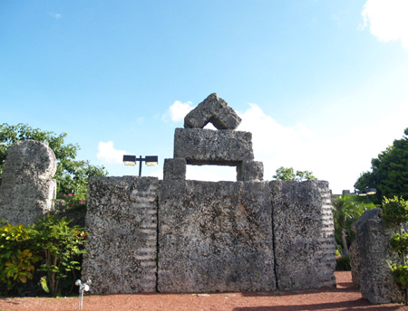 Coral-Castle-wikipedia-thumb