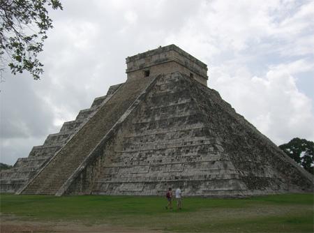 kukulkan-piramide-wikip-thumb