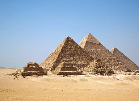piramiden-gizeh-plateau-wikip-thumb